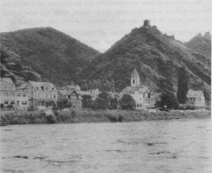 Kamp-Bornhofen am Rhein, Sterrenberg (links) Burg Liebenstein (rechts)